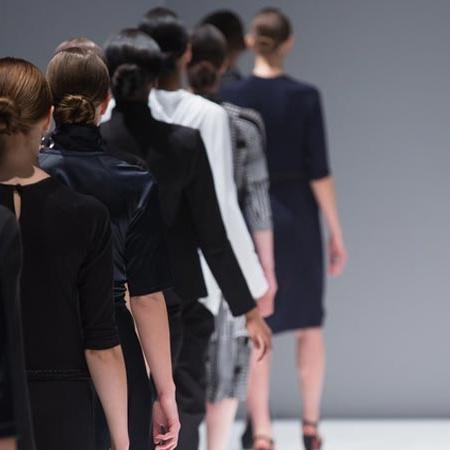 Chanel, Versage, Gautier, Lagerfeld - les créateurs les plus célèbres du monde de la mode