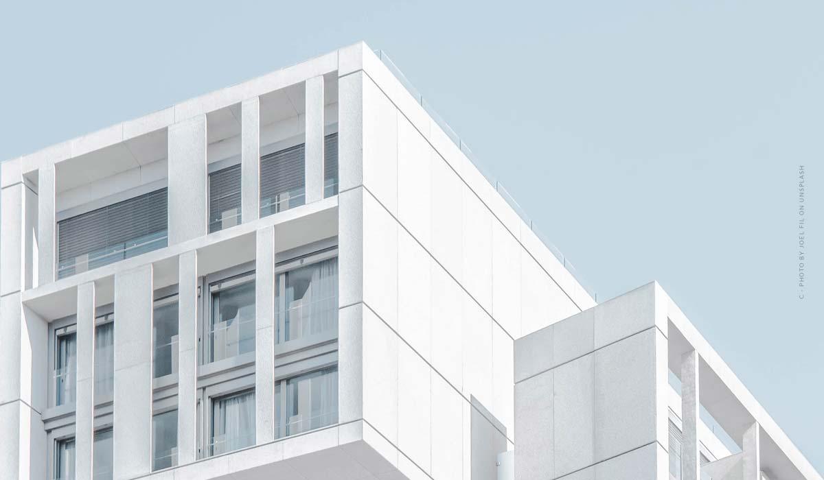 Trouver un agent immobilier ? Vendre une maison et un appartement : avantages, inconvénients + 5 conseils