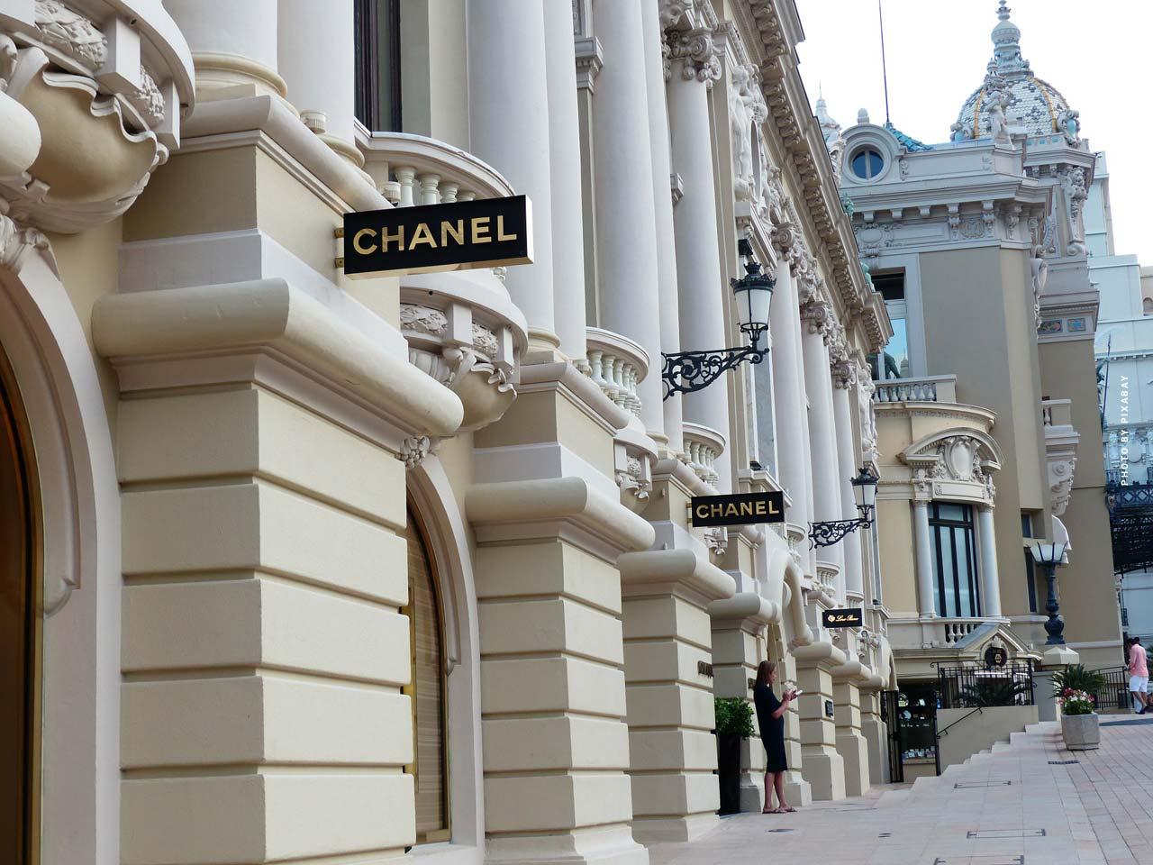 Chanel : N°5, sac, chaîne, lunettes & plus - Fashion by Coco Chanel & Karl Lagerfeld