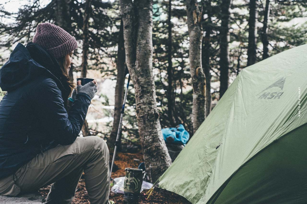 Types, types et formes de tentes : Tente de lancement, tente de toit et autres pour les campeurs