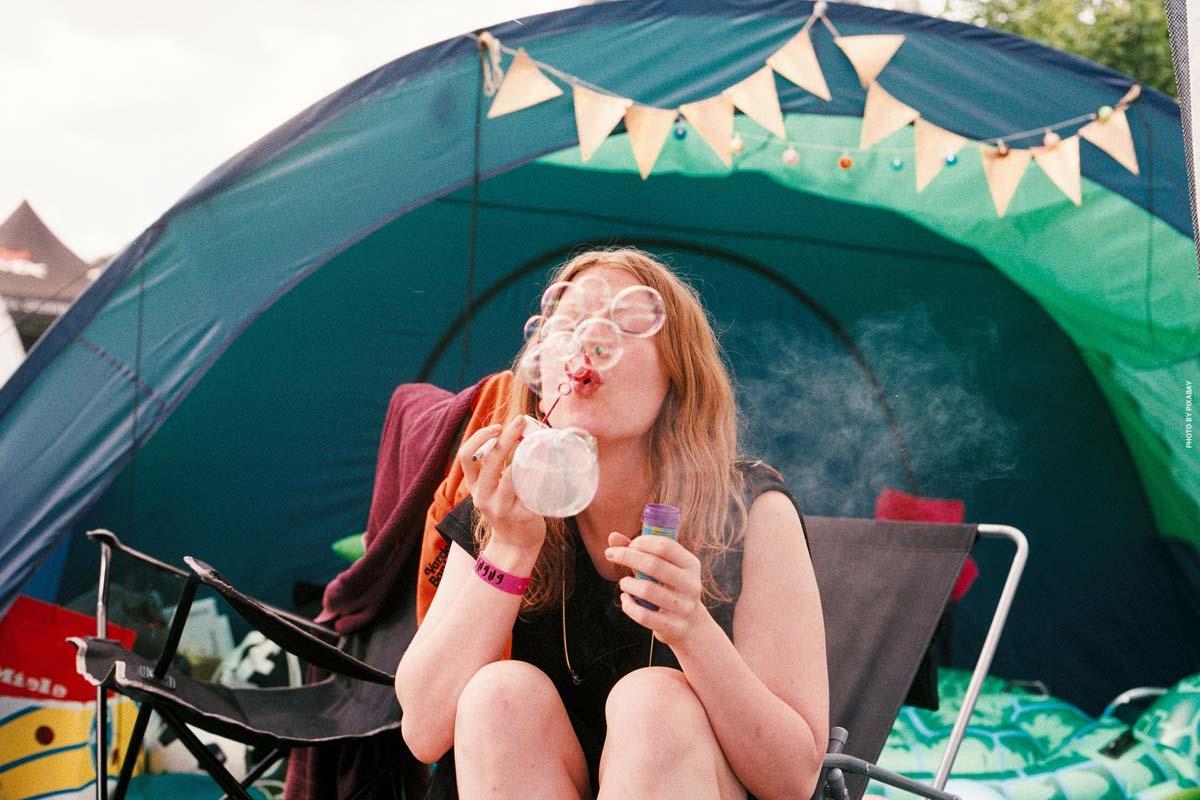 Accessoires de camping XXL - des tentes et caravanes aux sacs de couchage, articles de loisirs et vêtements de plein air