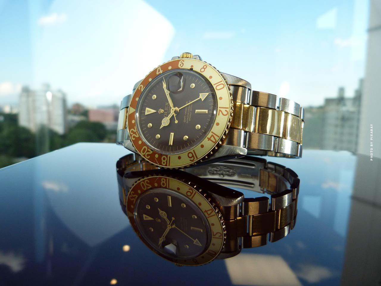 La maison de vente aux enchères Phillips (Genève) trouve et vend les montres les plus rares du monde