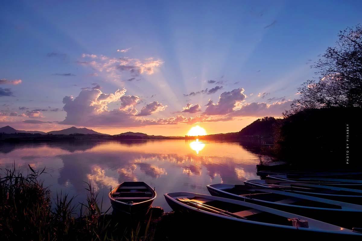 Vacances au lac de Hopfen: air frais au lac de montagne - Hôtels, Camping & Co. en Bavière