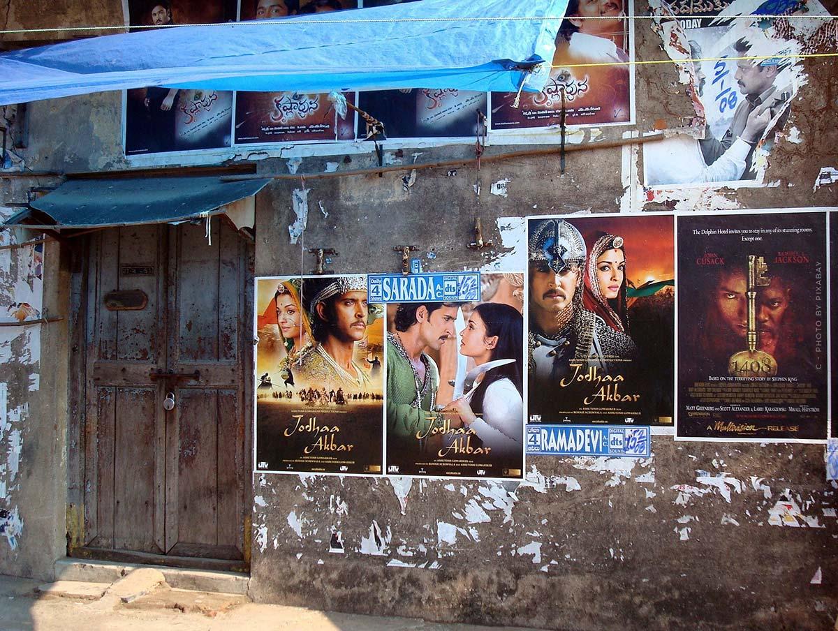 Série T - YouTube, Bollywood et une touche de romantisme