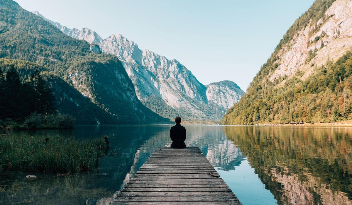 Méditation: conseils et exercices pour la relaxation, l'amour de soi et la concentration - avec vidéos!