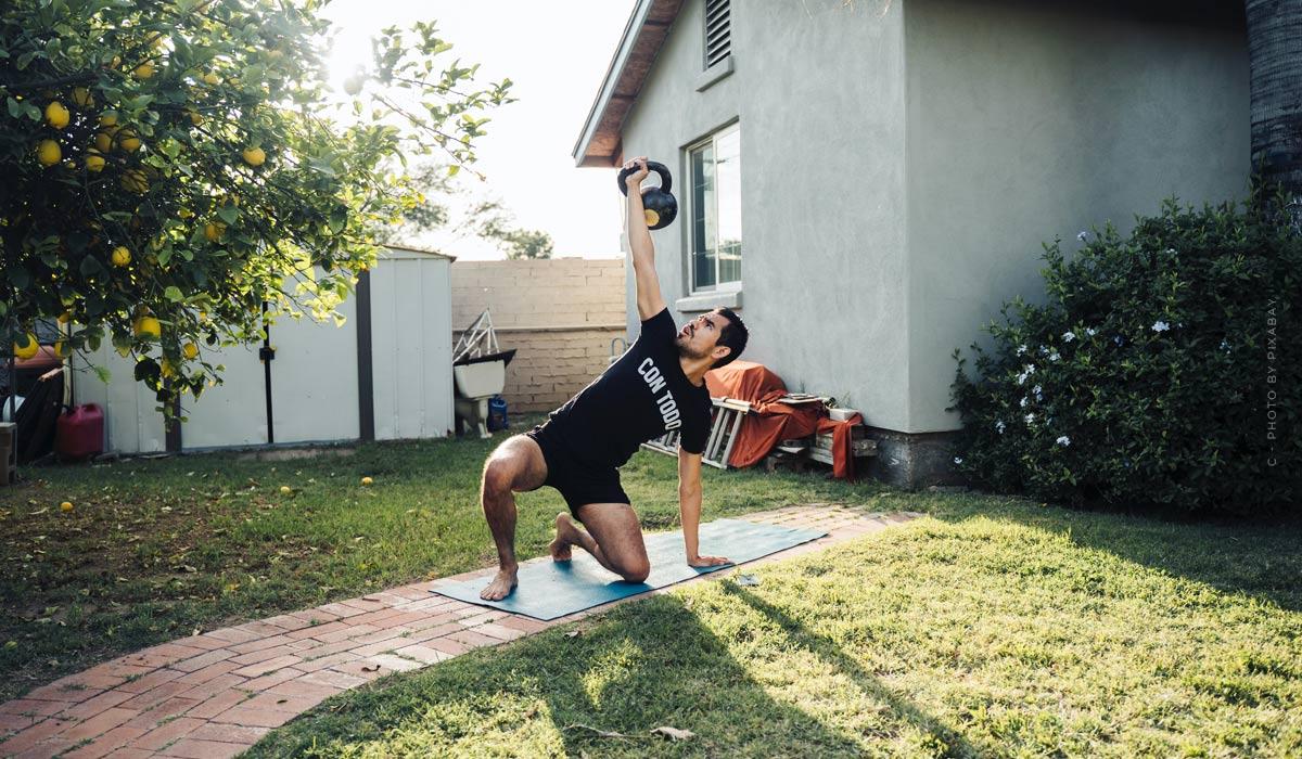 Entraînements à domicile : conseils pour les débutants et exercices sans équipement
