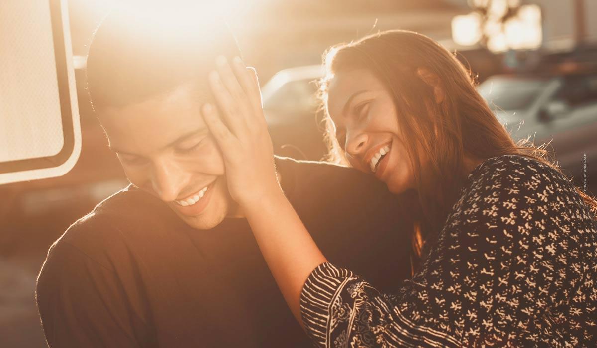 Conseils pour une relation heureuse: maîtriser les crises et améliorer la communication - le guide pour les hommes