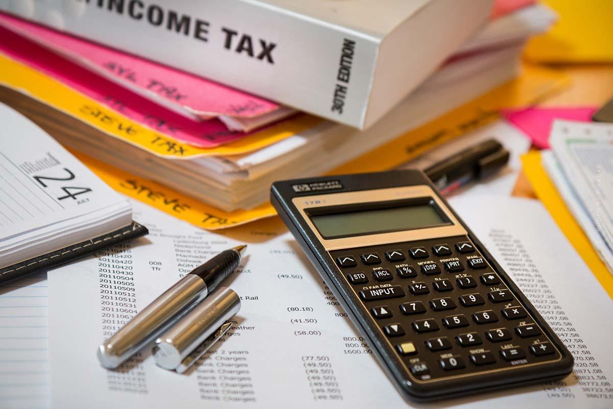 Économisez des impôts : Par où commencer ? Revenu, société, accumulation d'actifs - exemples