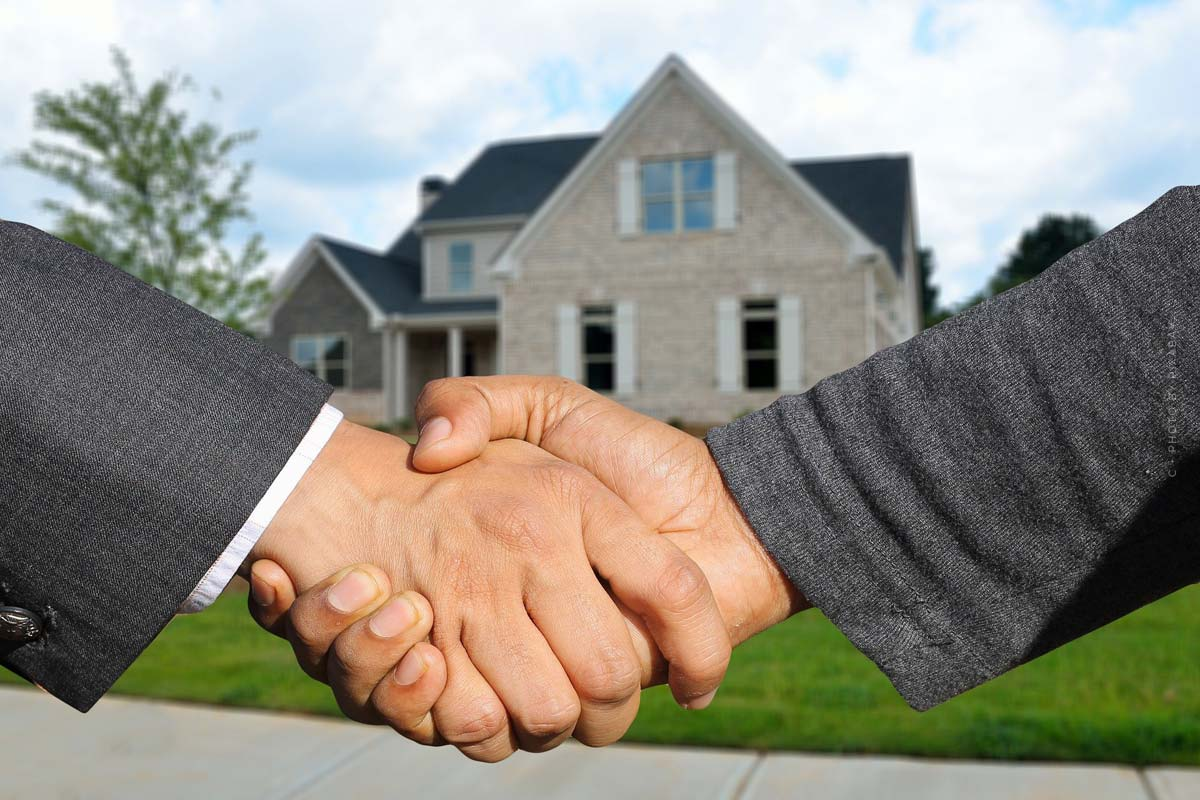 Recommandation du livre sur l'achat de biens immobiliers : erreurs, procédure, impôts et investissement en capital
