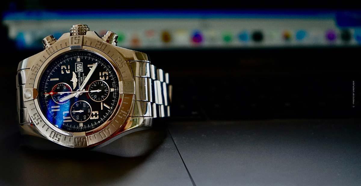Breitling Aviator 8 : montres de pilote en or rouge noble, en titane ou en acier inoxydable