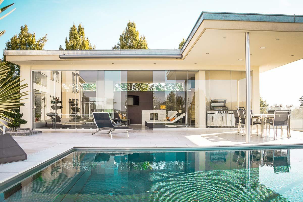 Gagner de l'argent avec l'immobilier Conseils vidéo : Investissements, revenus passifs, actions & Co.