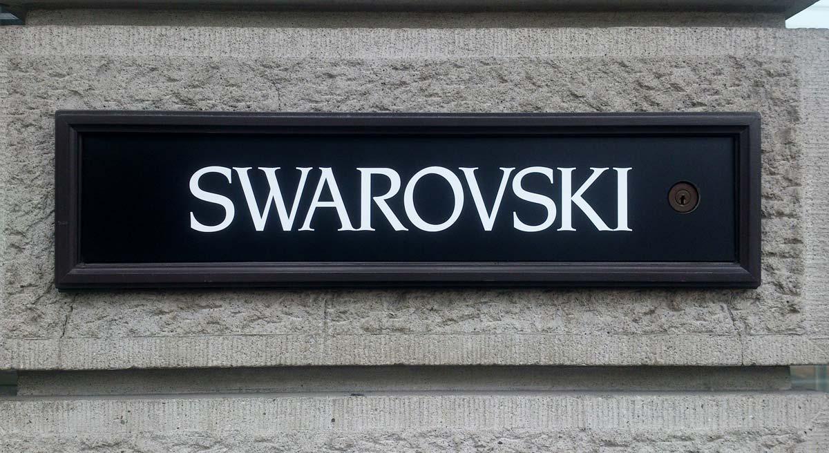Swarovski: bracelets, bagues, montres et colliers de cygne - depuis 125 ans