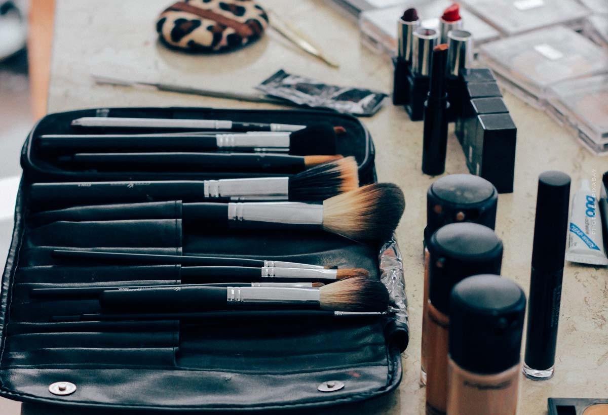 Givenchy : parfums royaux, maquillage radieux et campagnes de célébrités