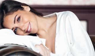 Exclusive interview avec la sublime influenceuse Charlotte Pirroni – Mode, beauté et confiance en soi