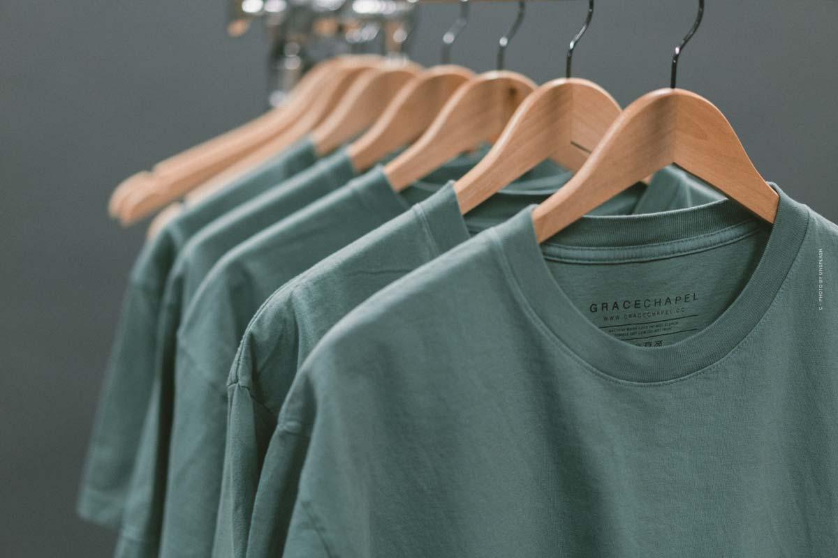 Tendances 2021 en matière de chemises pour femmes et hommes