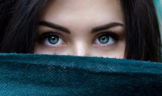 Conseils pour un cil parfait: mascaras nourrissants, vitamine E et sérums pour cils