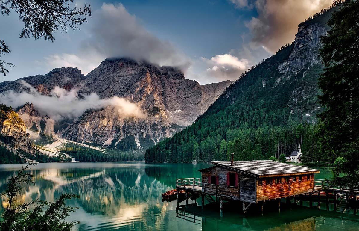 Maison de vacances : achetez ou construisez la maison de vos rêves au bord de la mer ou d'un lac ? Avantages, inconvénients et conseils