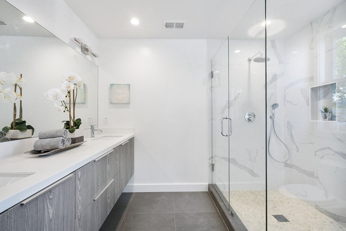 Meubles de salle de bains : lavabos, baignoires, ensembles et autres pour un aménagement parfait de la salle de bains