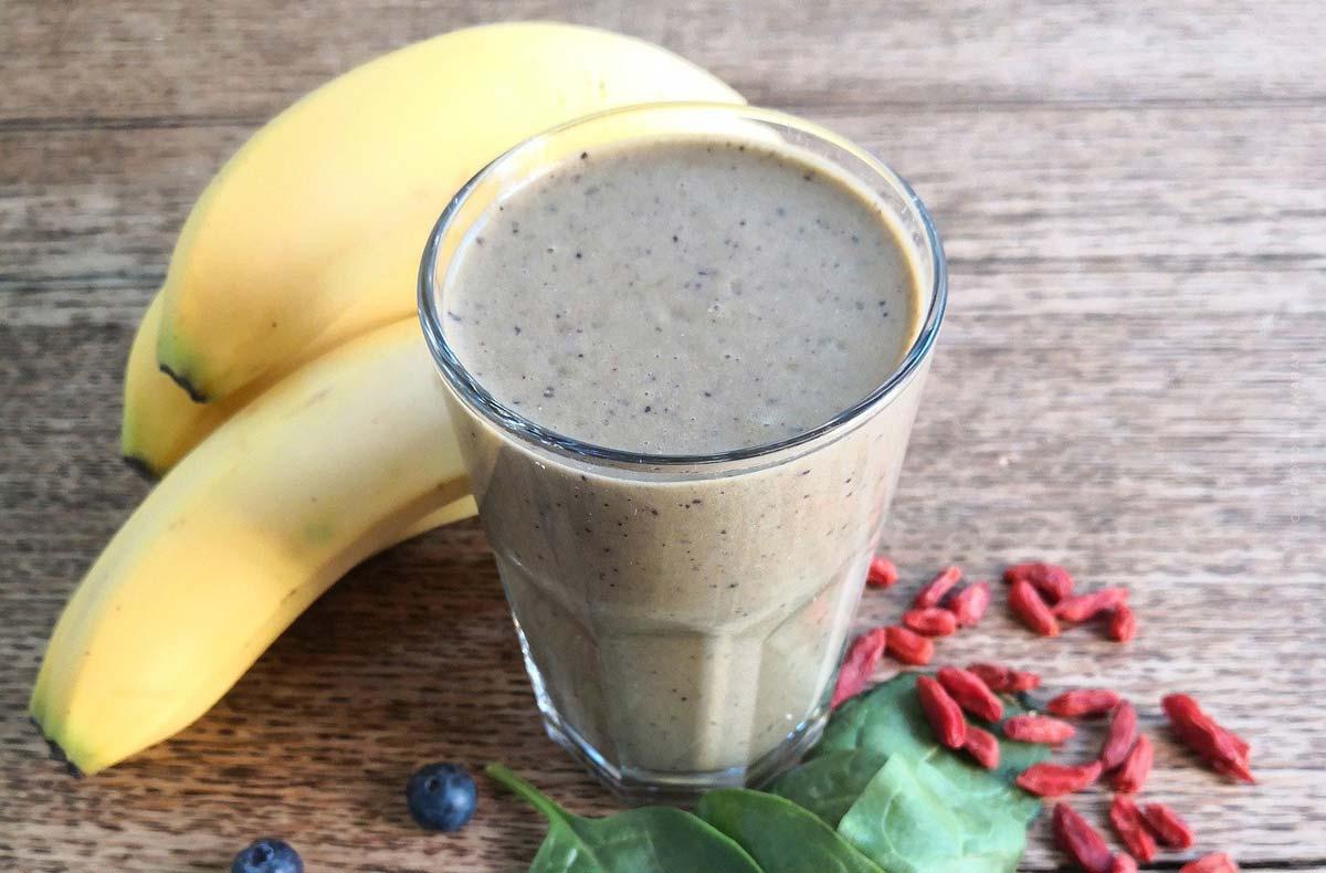 Recettes de smoothie à la banane : fraises, avocat avec yaourt, lait d'amande & Co.