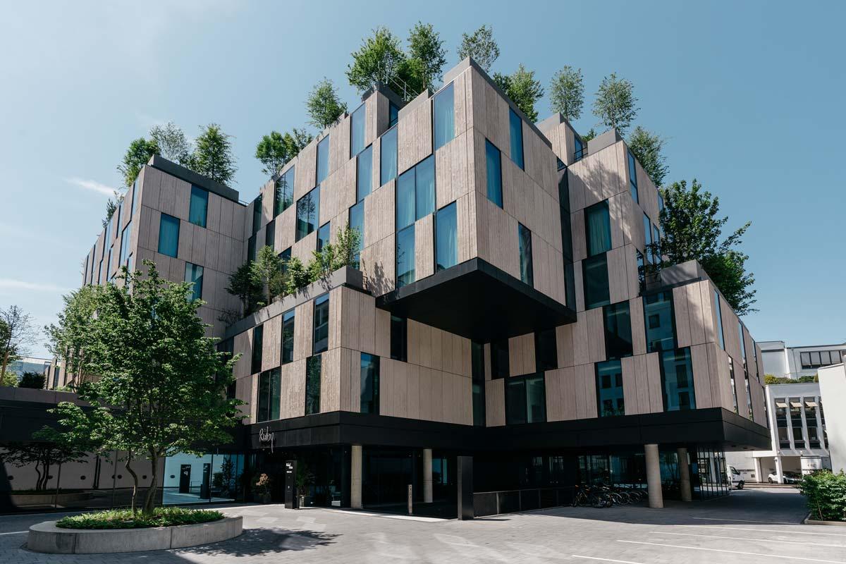 Ruby Ella Hotel à Cologne : Arrivée, séjour, bar & Co ! - Le gros chèque de l'hôtel